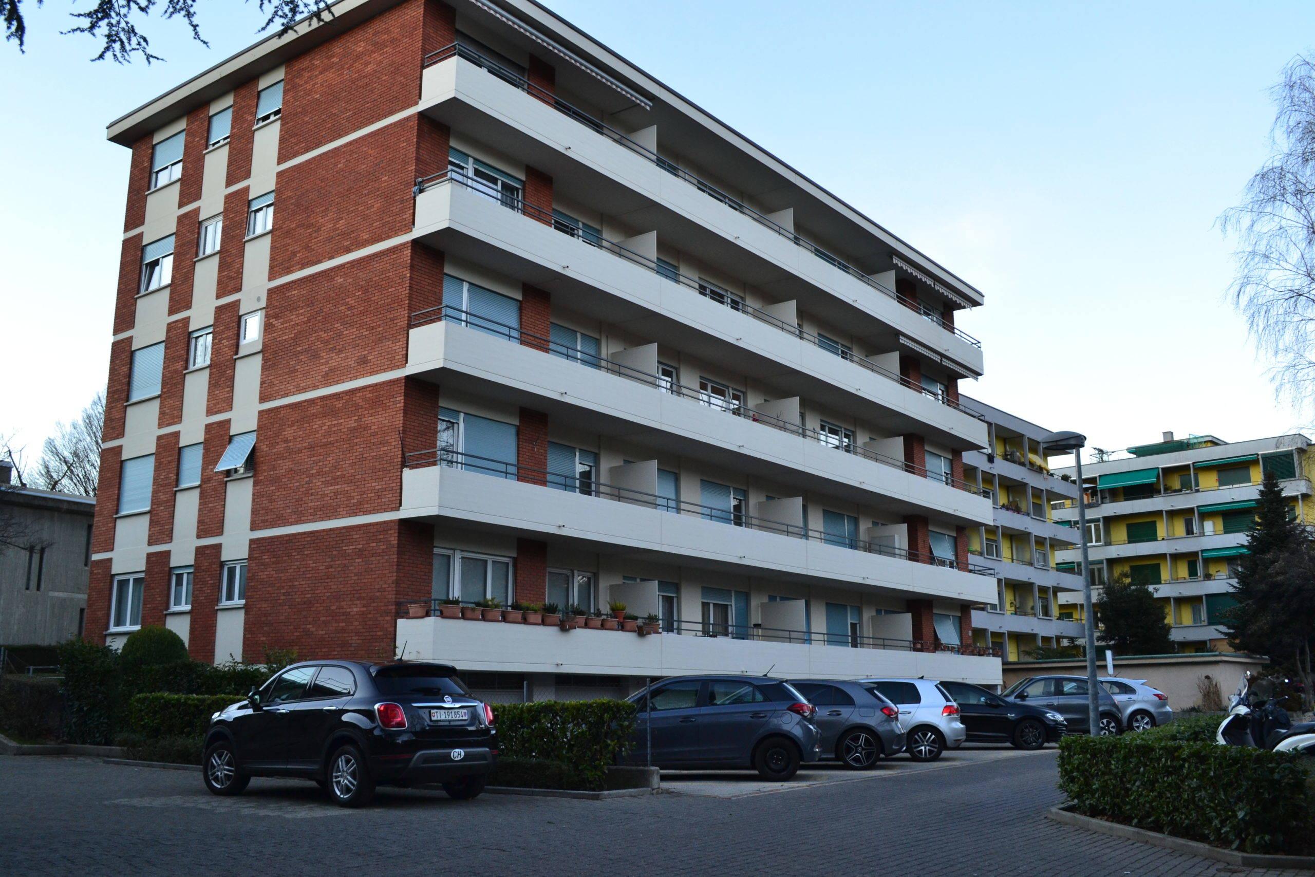 Lugano – Vendiamo 4,5 Locali Completamente Rinnovato, in Zona Tranquilla e Soleggiata.