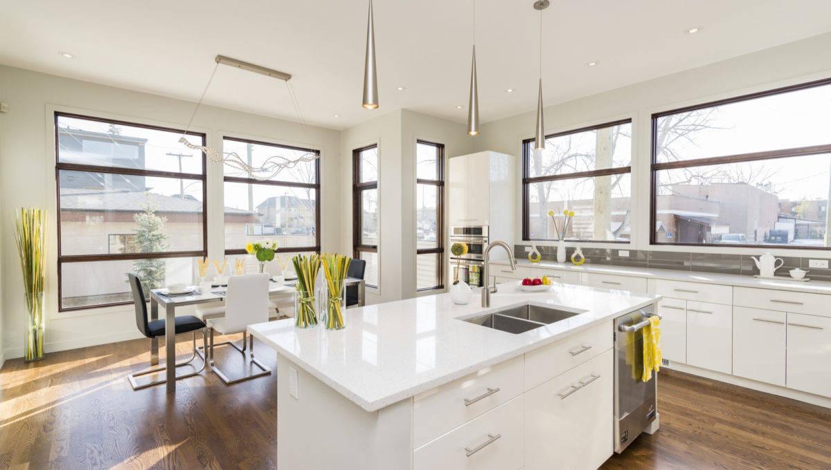 interior-shot-modern-house-kitchen-with-large-windows (2)