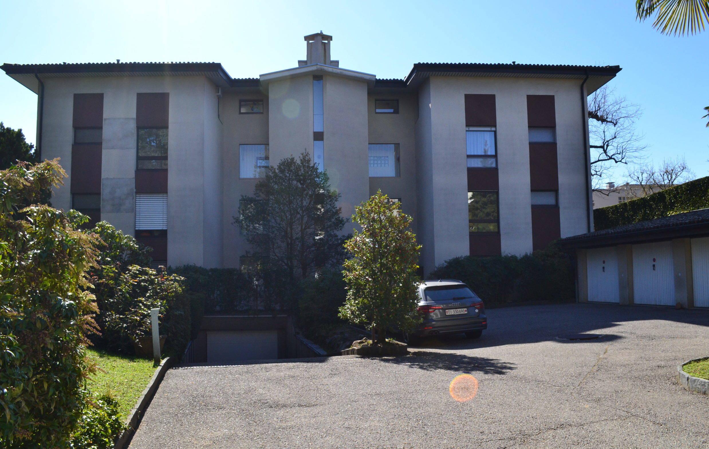 Elegante Appartamento 3,5 Locali con Ampia Terrazza e Sauna