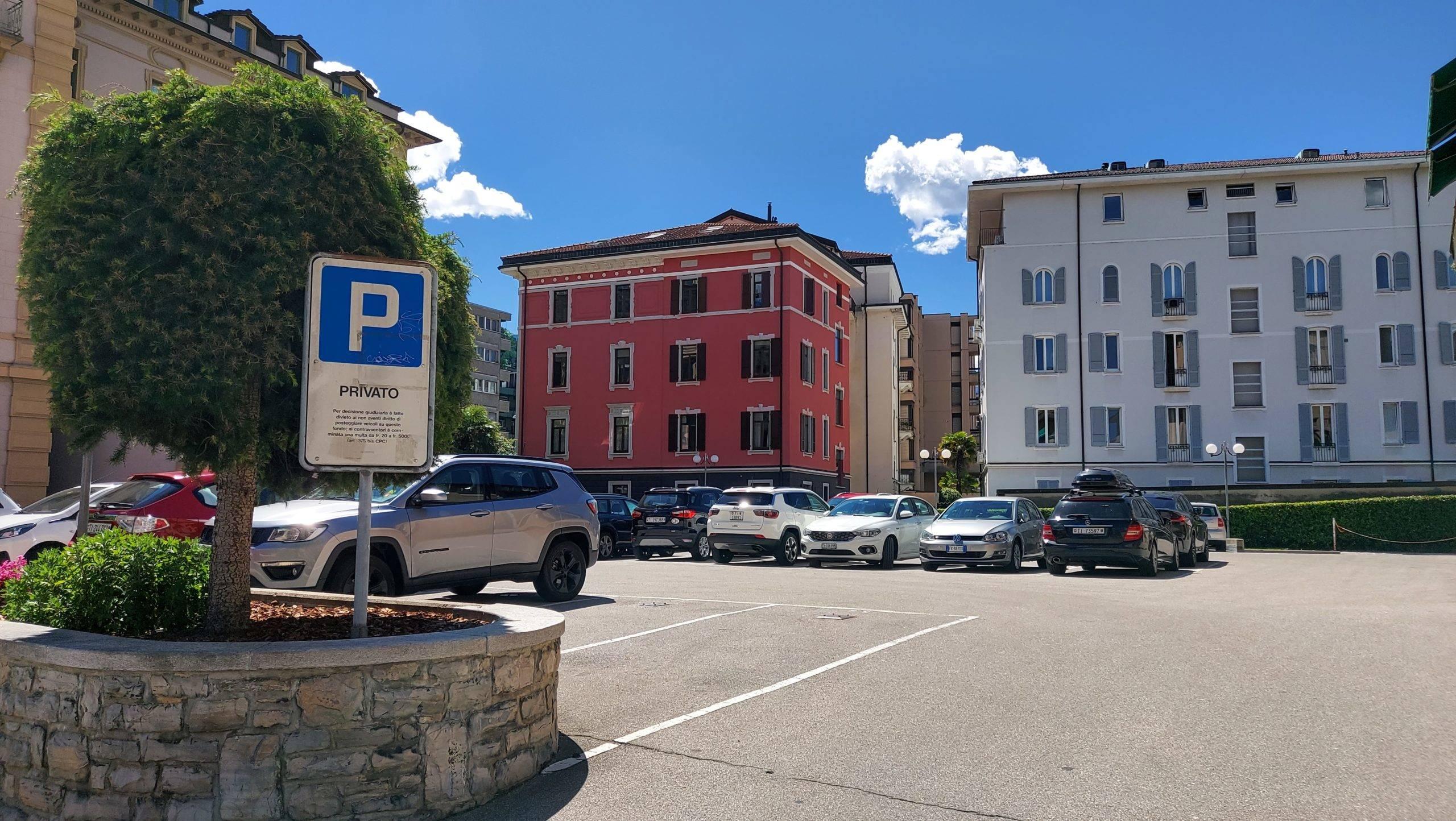 Lugano Centro – Affittasi Posteggi Esterni e in Autorimessa