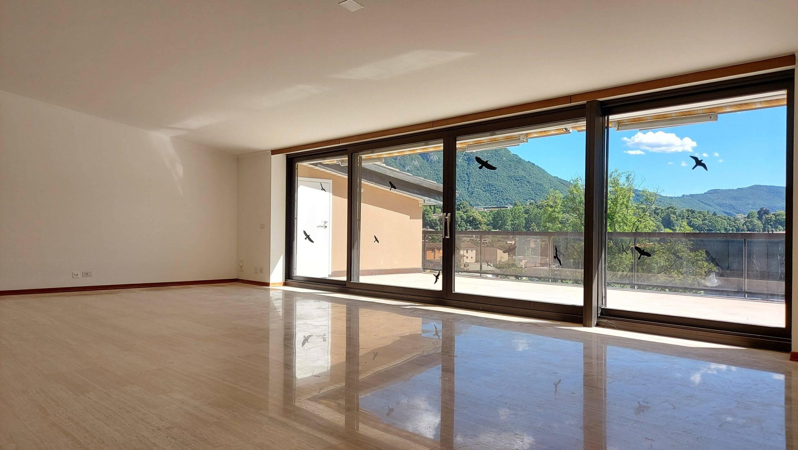 Elegante appartamento con ampia terrazza e sauna